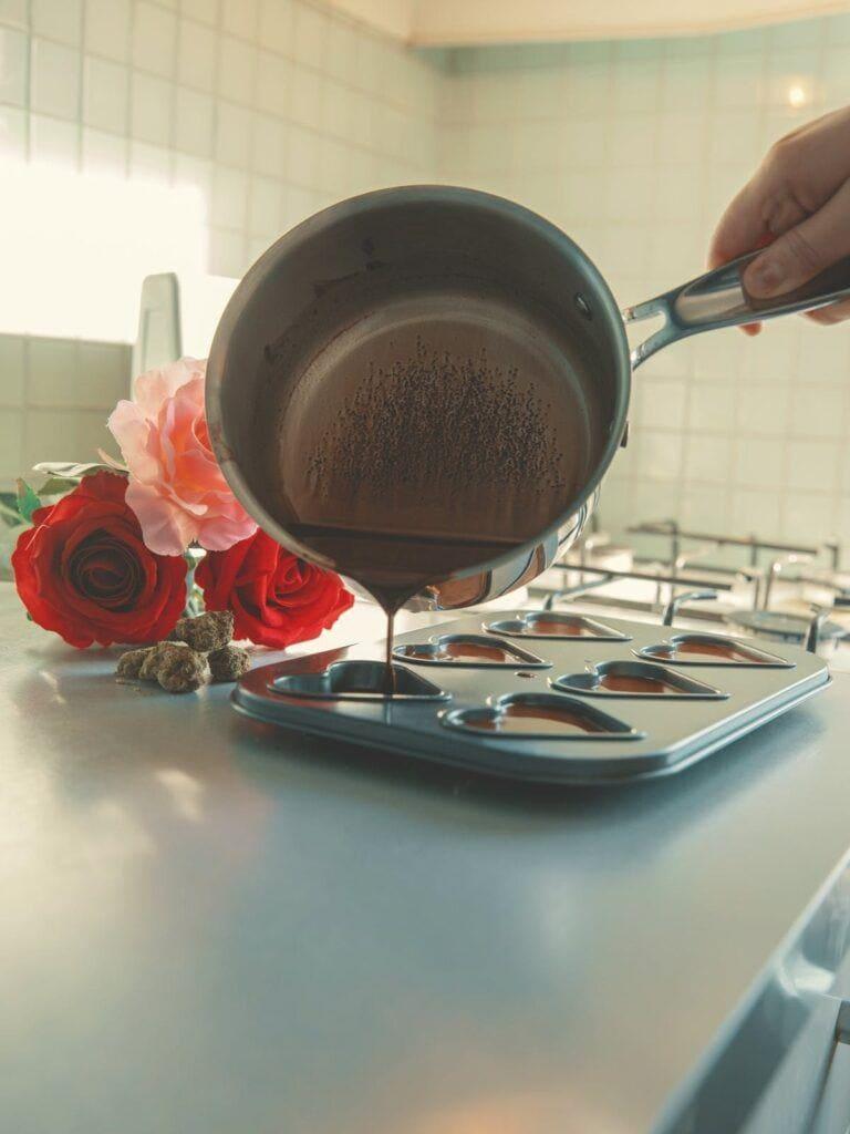 如何制作飞行巧克力:满足你对甜食的渴望